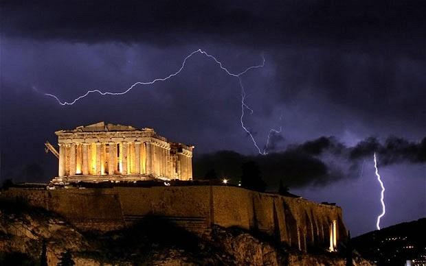 Furtuna in Grecia